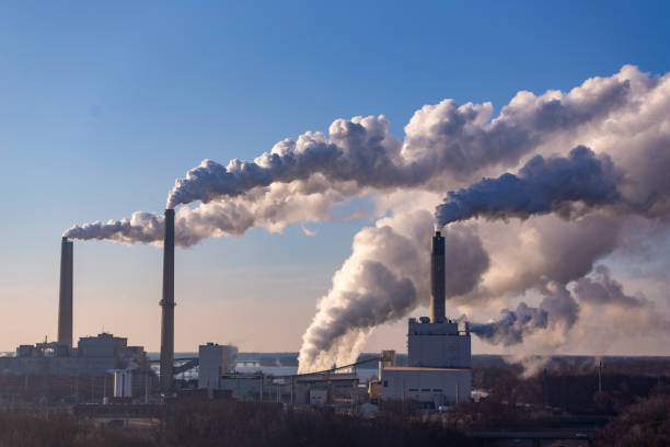 contaminación por soplado de viento - contaminación ambiental fotografías e imágenes de stock