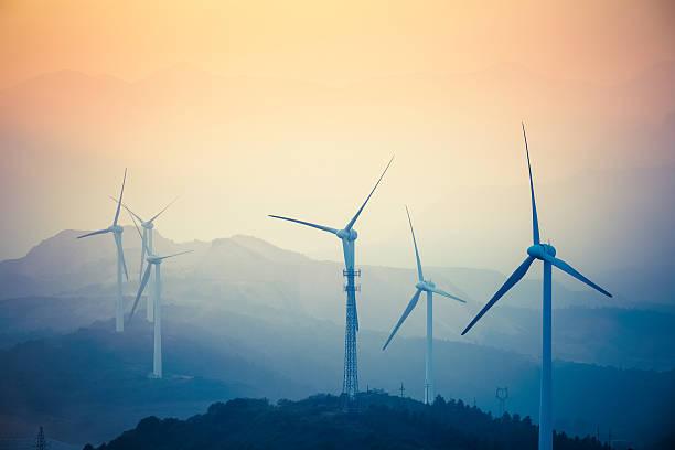 wind farm Nahaufnahme in der Dämmerung – Foto