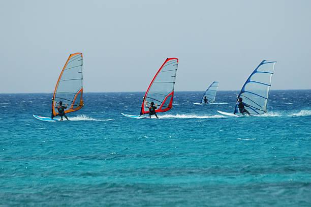 Vento surf corsa - foto stock