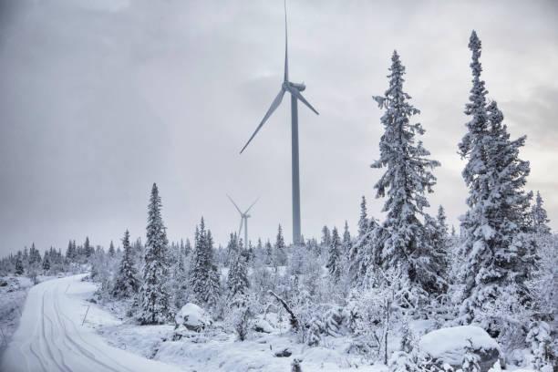 vindturbin i vinterlandskap - norrbotten bildbanksfoton och bilder