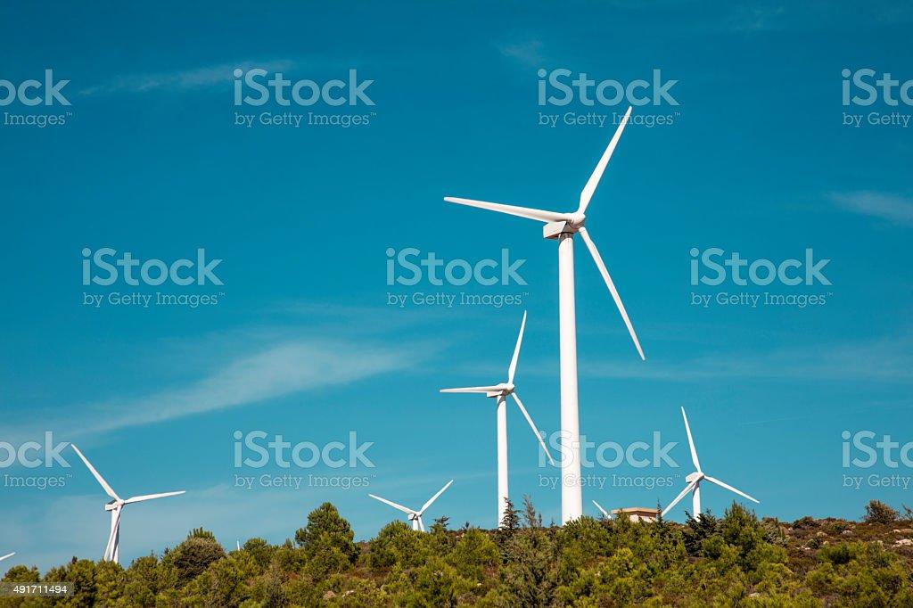 Wind turbine auf Frühling Landschaft – Foto