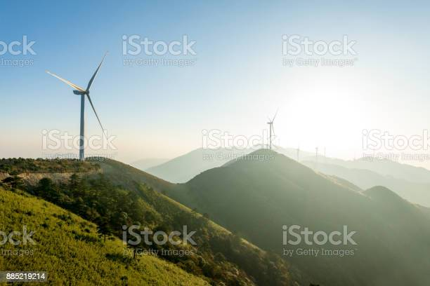 Wind turbine picture id885219214?b=1&k=6&m=885219214&s=612x612&h=9uhmcxyy40r8lyrmshtrcpbtxikztei0ao5fgr5v5u8=