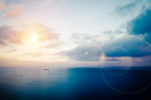 vindkraftverk till sjöss - drone copenhagen bildbanksfoton och bilder