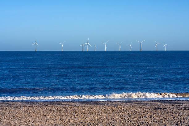 Windturbinen vor der Küste – Foto