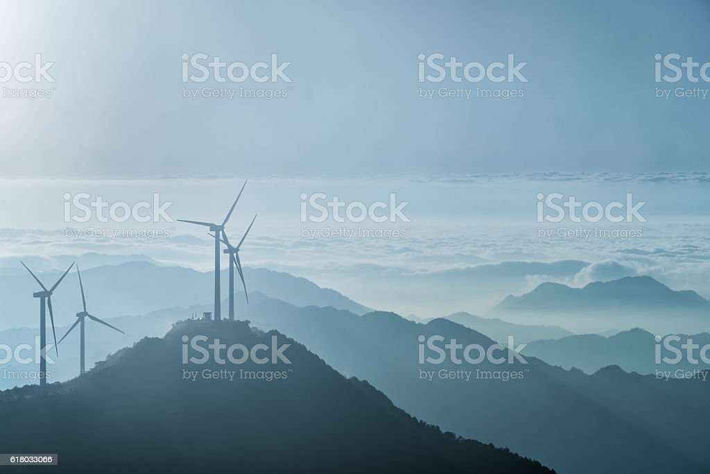 wind turbines on the blue ridge mountains – Foto