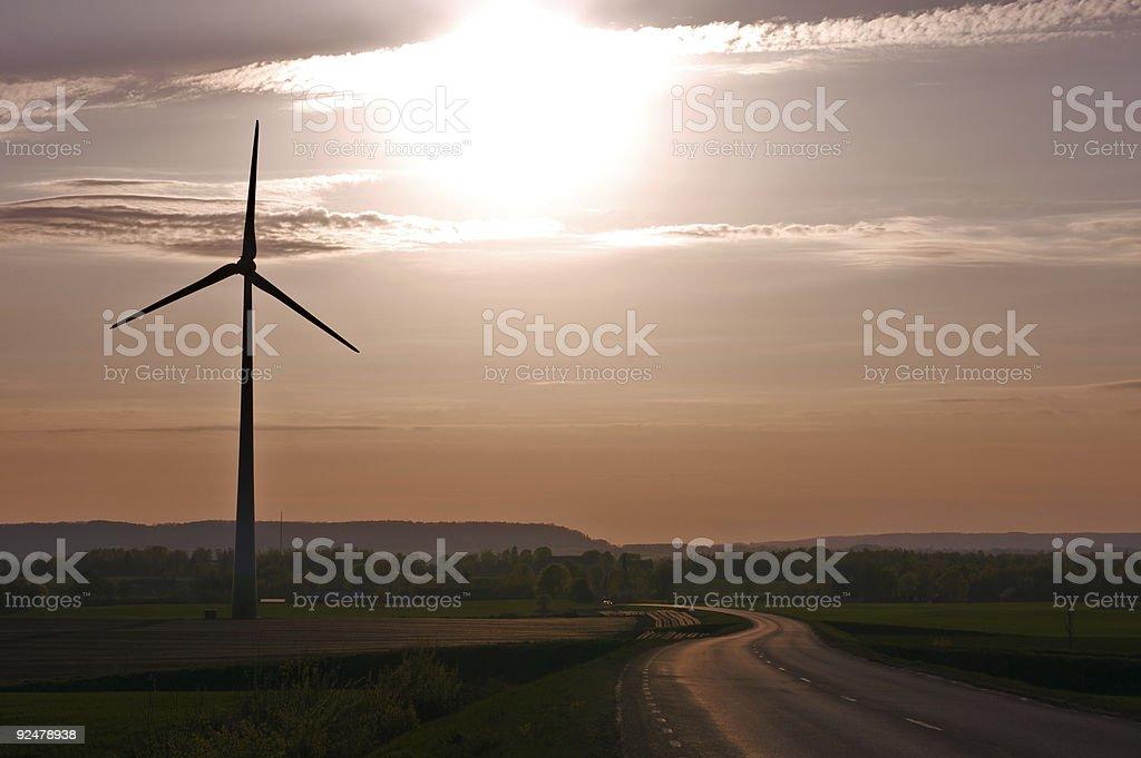 Wind-farm bei Sonnenuntergang Lizenzfreies stock-foto