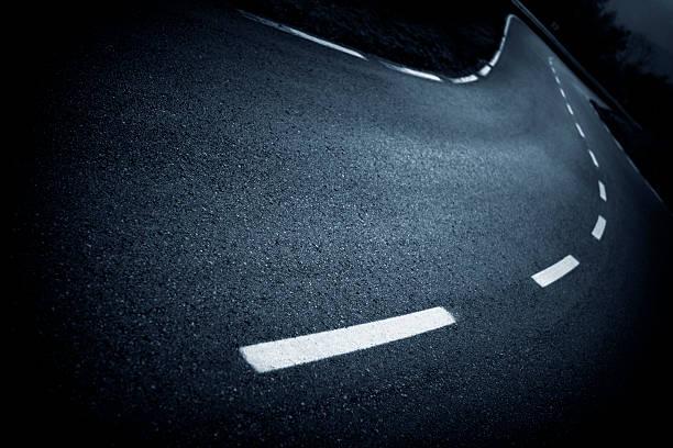 Kurvenreiche Straße – Foto