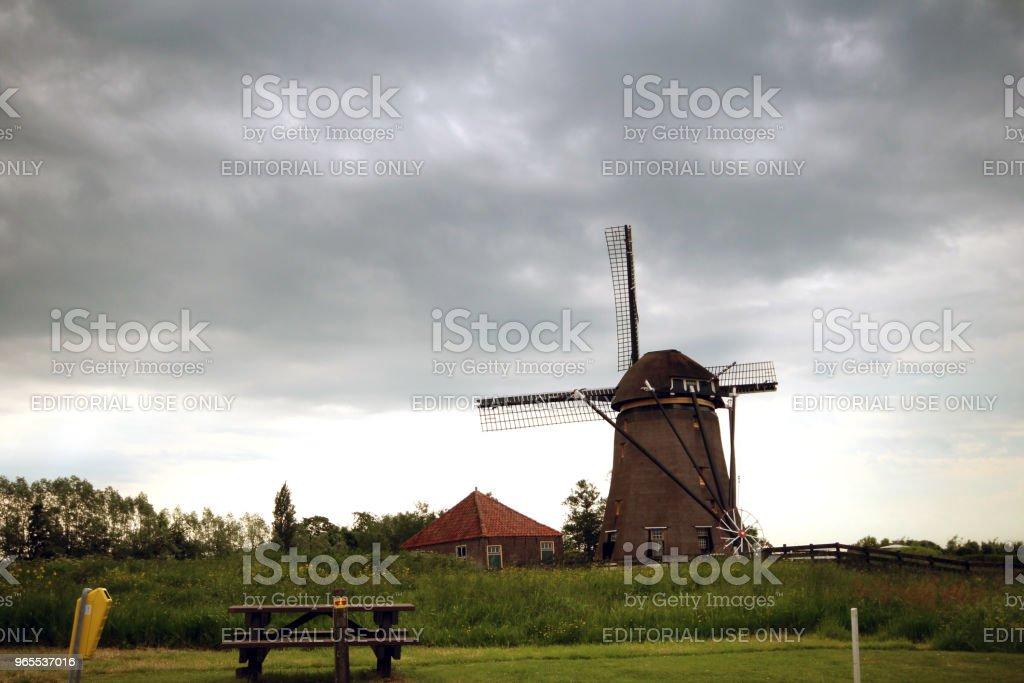 Windmolen met de naam Rietveldse Molen in Hazerswoude in Nederland foto