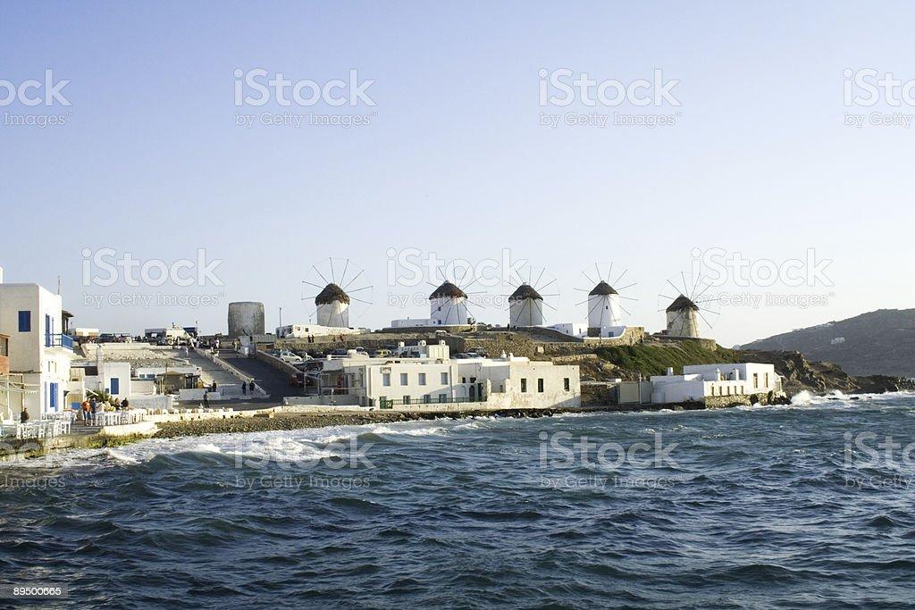 Wiatraki Santorini harbour zbiór zdjęć royalty-free