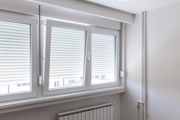 Fenster in weißen Raum – Foto