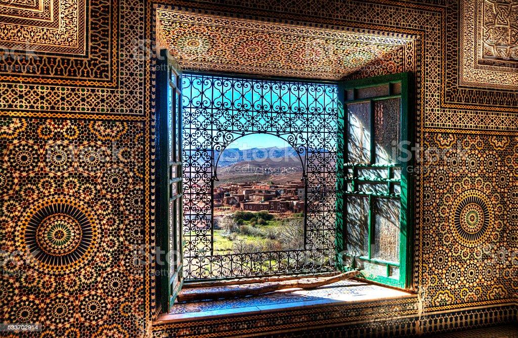 Okno Kasbah Telouet, Maroko – zdjęcie