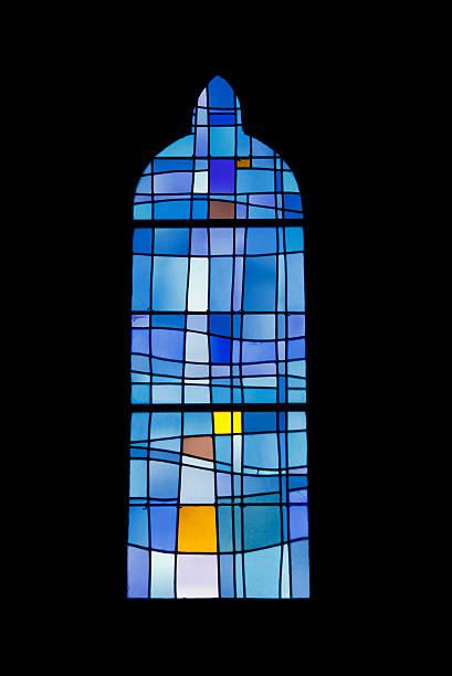 fenster von sainte patronille church - hochmittelalter stock-fotos und bilder