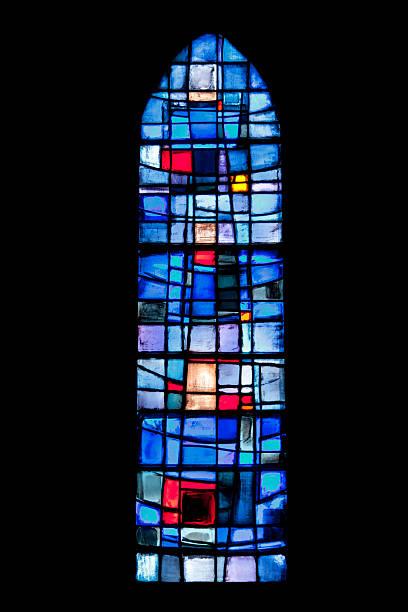 fenster von sainte patronille church - kleinere sehenswürdigkeit stock-fotos und bilder