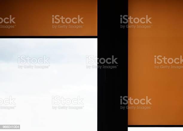 Fönster Med Sand Färgade Rulla Mörkar-foton och fler bilder på Boksida