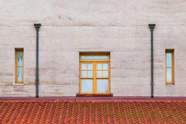 Ventanas y el techo en la fachada del Museo Lightner, Estados Unidos - foto de stock
