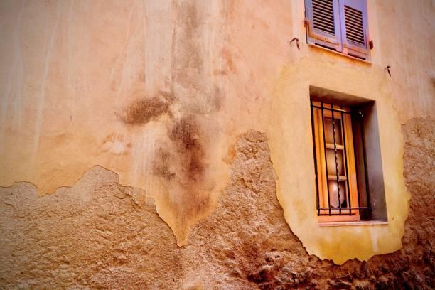 fenêtres en corse - josianne toubeix photos et images de collection