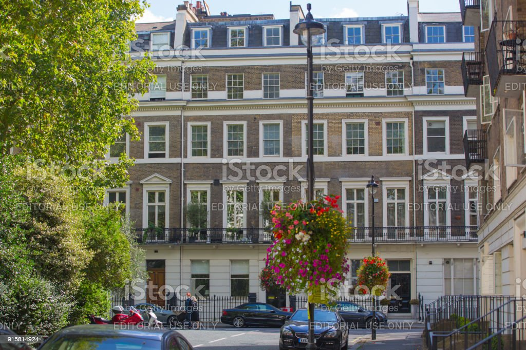 Windows Of The Luxury Apartments In Hyde Park Square Centre London