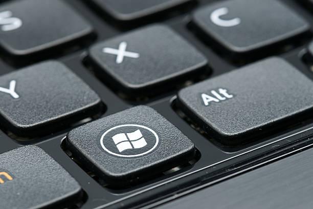 windows-zeichen auf der tastatur - microsoft windows stock-fotos und bilder