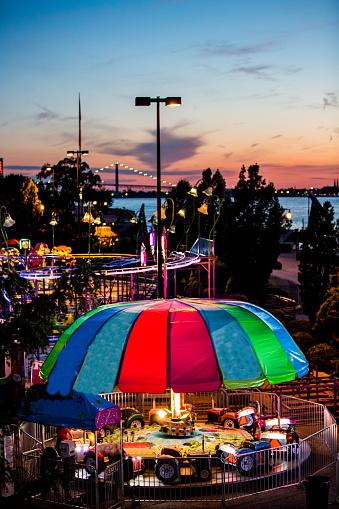 Windsor Summerfest Stockfoto en meer beelden van Amusementsparkritje