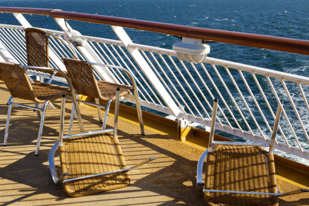 blåsigt ombord - ferry lake sweden bildbanksfoton och bilder