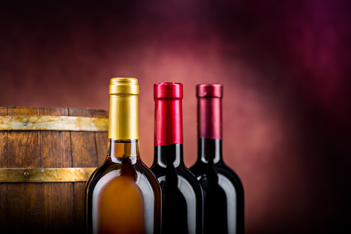 istock Wine and barrel 1186751879