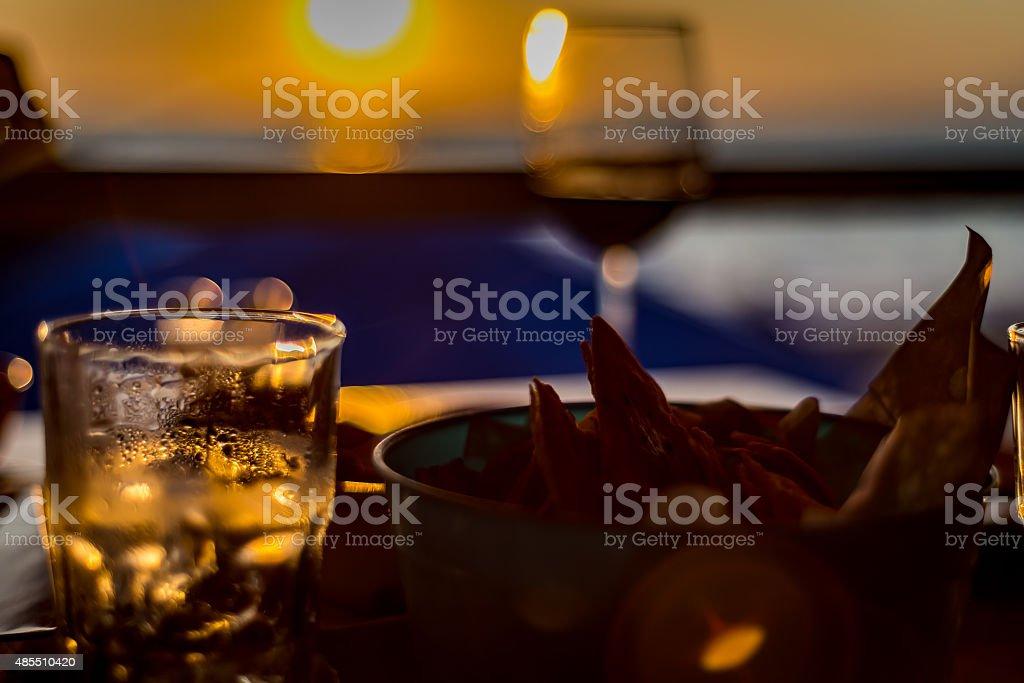 Wein und chips – Foto