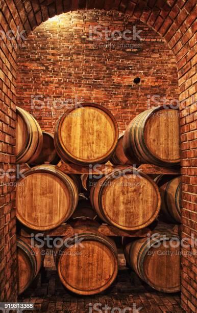 Wine barrels in winevaults in order picture id919313368?b=1&k=6&m=919313368&s=612x612&h=6hxnid9nox6bbpofko7kzq1zl hdvyodmojwqr2izjw=