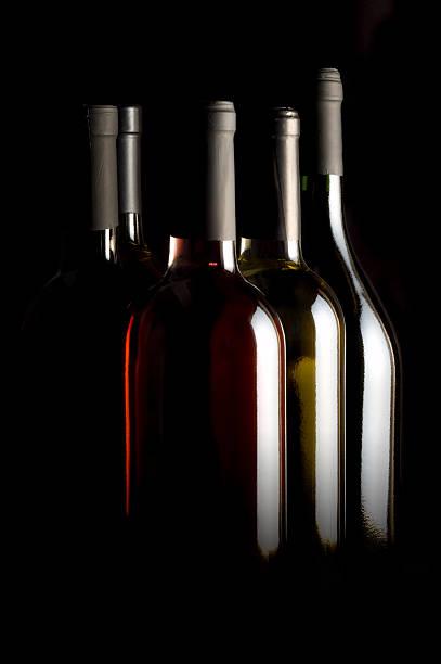 Wine bottles picture id170617768?b=1&k=6&m=170617768&s=612x612&w=0&h=pfd4whzdyjtjqp2s7 qapb5q9spaqkwphsrisex9bqu=