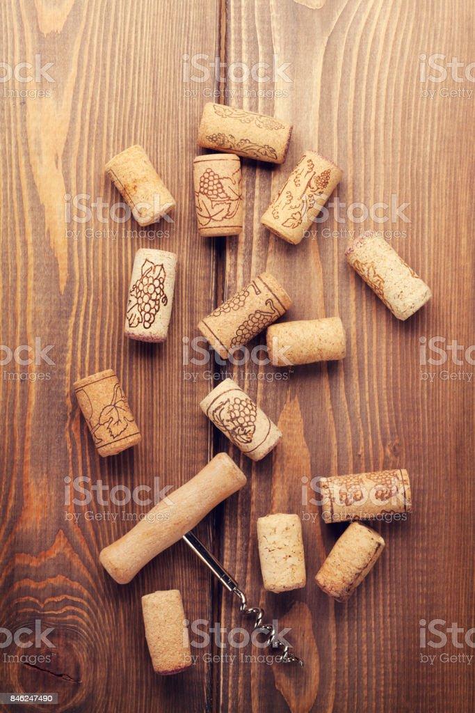Bouteille de vin et tire-bouchon - Photo