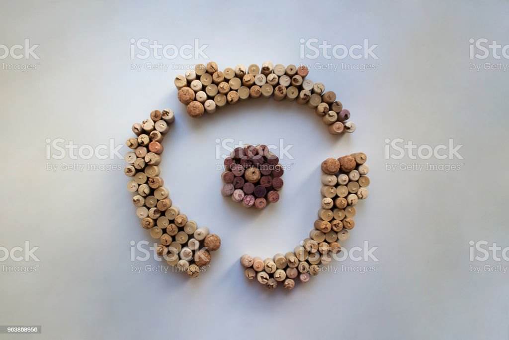 Wine corks shutter silhouette - Royalty-free Aperture Stock Photo