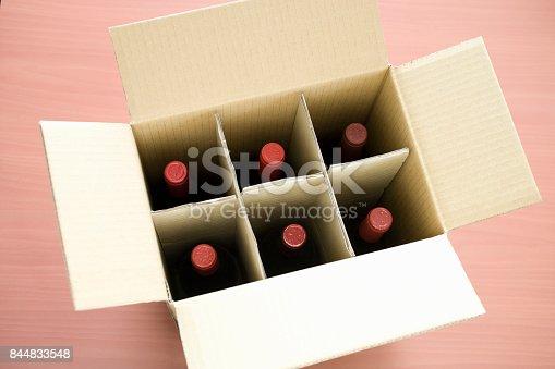 Wine delivery-corrugated cardboard