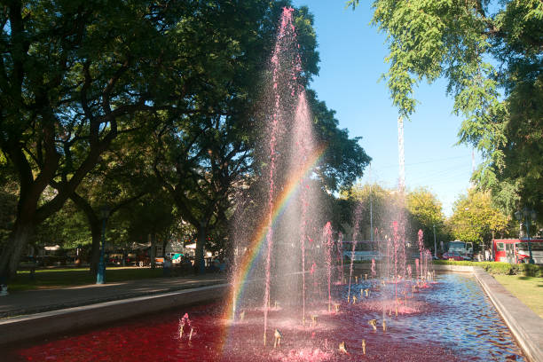 Wein Brunnen mit Regenbogen – Foto