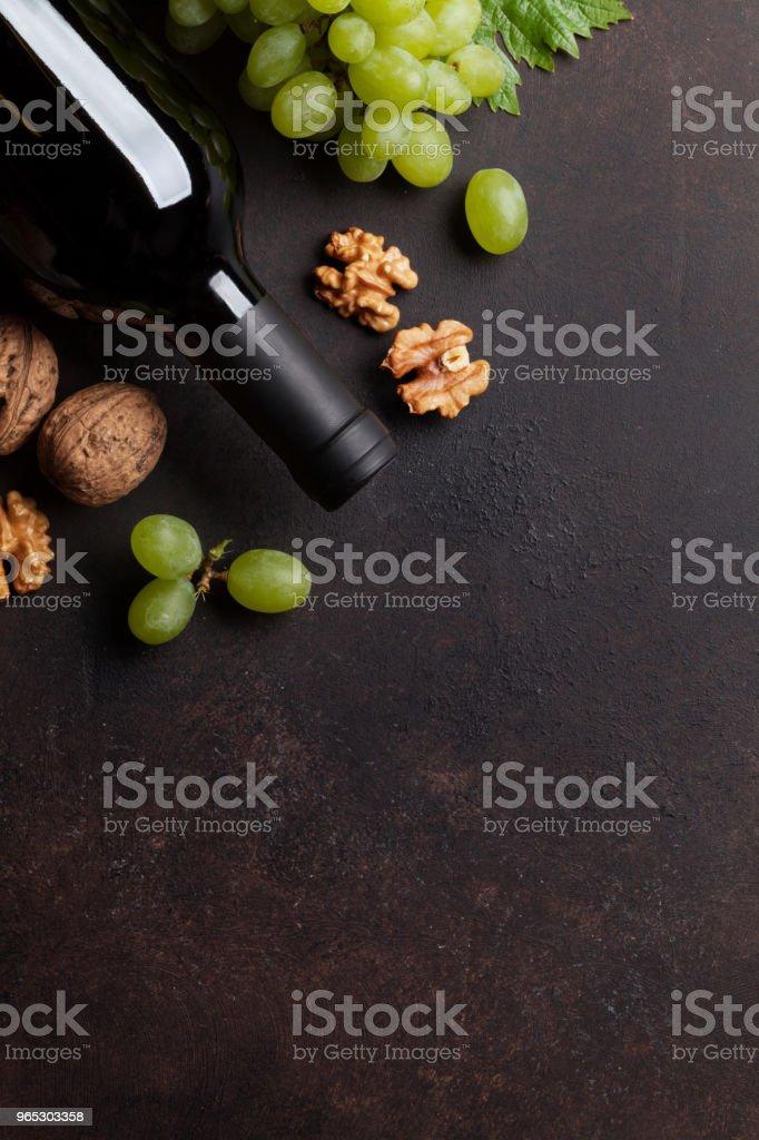 Wine, grape and nuts zbiór zdjęć royalty-free