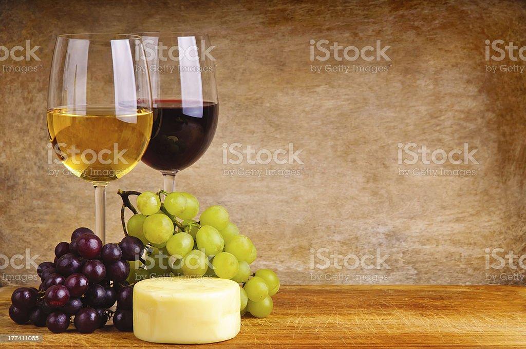 Wein, Trauben und Käse – Foto