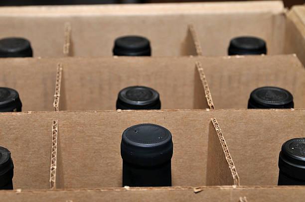 wine in the box - wine box bildbanksfoton och bilder