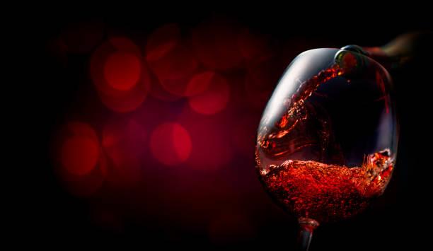 진한 빨간색에 와인 - wine 뉴스 사진 이미지