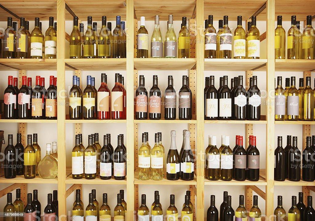 Prateleiras de Vinho - fotografia de stock