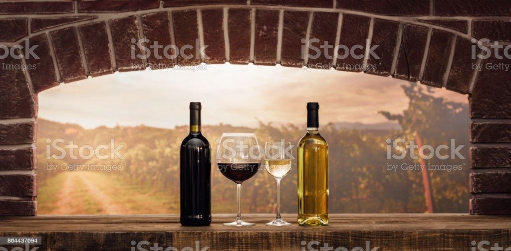 Weinprobe im Keller – Foto