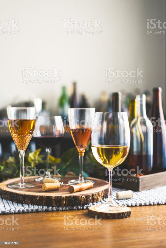 Wine tasting theme with various bottles of wine and glasses - foto stock