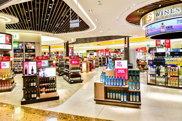 1 340 Liquor Store Interior Stock Photos Pictures Royalty Free Images Istock