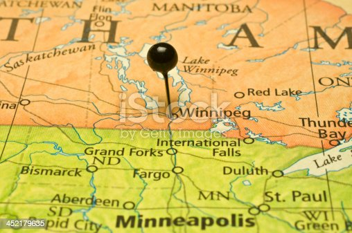 winnigeg and minneapolis state border on road map stock photo more pictures of aberdeen south dakota istock