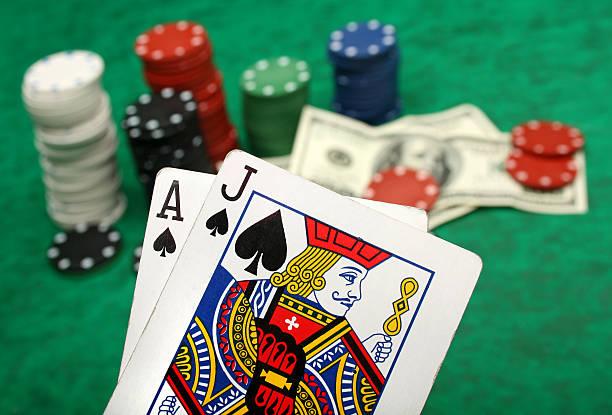 winning blackjack hand - black jack bildbanksfoton och bilder
