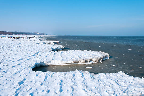 winter in der ostsee - usedom stock-fotos und bilder