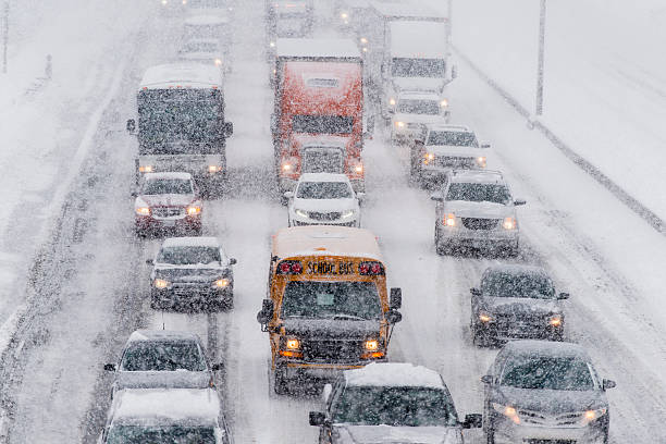 das fahren im winter - pickup trucks stock-fotos und bilder