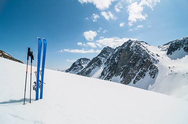 Winter high mountain landscape with ski picture id157718198?b=1&k=6&m=157718198&s=612x612&w=0&h=fjlfh v e0cglszhv7j92zt3vbtjw mgr87w31zqxg8=