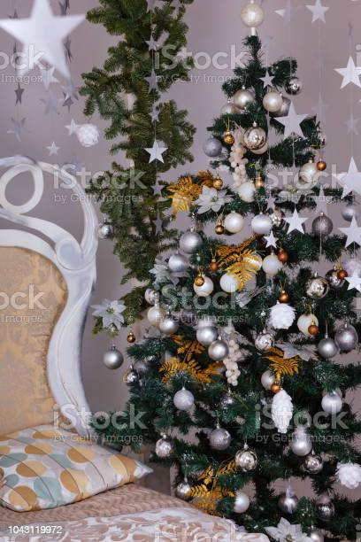 Winter holidays decorated bedroom interior christmas and new year picture id1043119972?b=1&k=6&m=1043119972&s=612x612&h=mh4rjuiu0tcw7czdtslz6jfh vg1rs3hvk 8 8sjqc0=