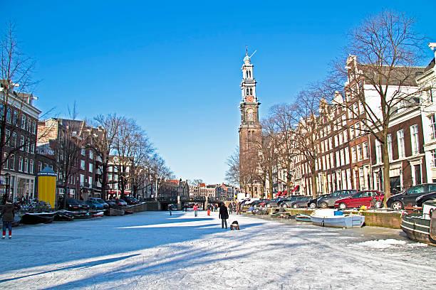 winter in amsterdam the netherlands - westerkerk stockfoto's en -beelden