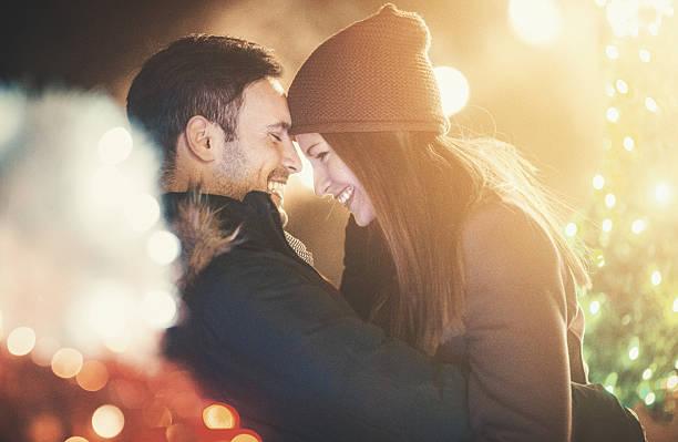 winter is romantic. - attività romantica foto e immagini stock