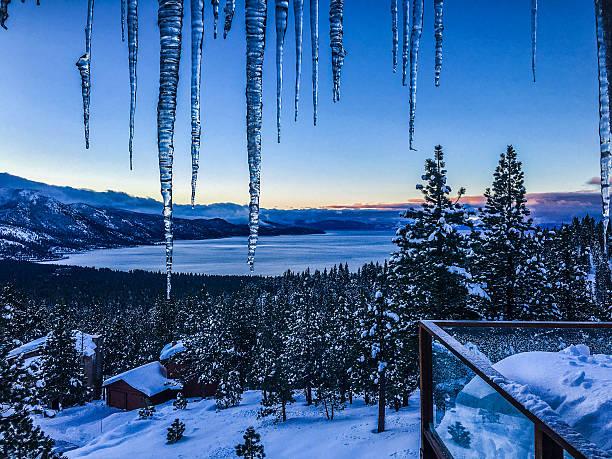 winter-landschaft-lake tahoe - lake tahoe winter stock-fotos und bilder
