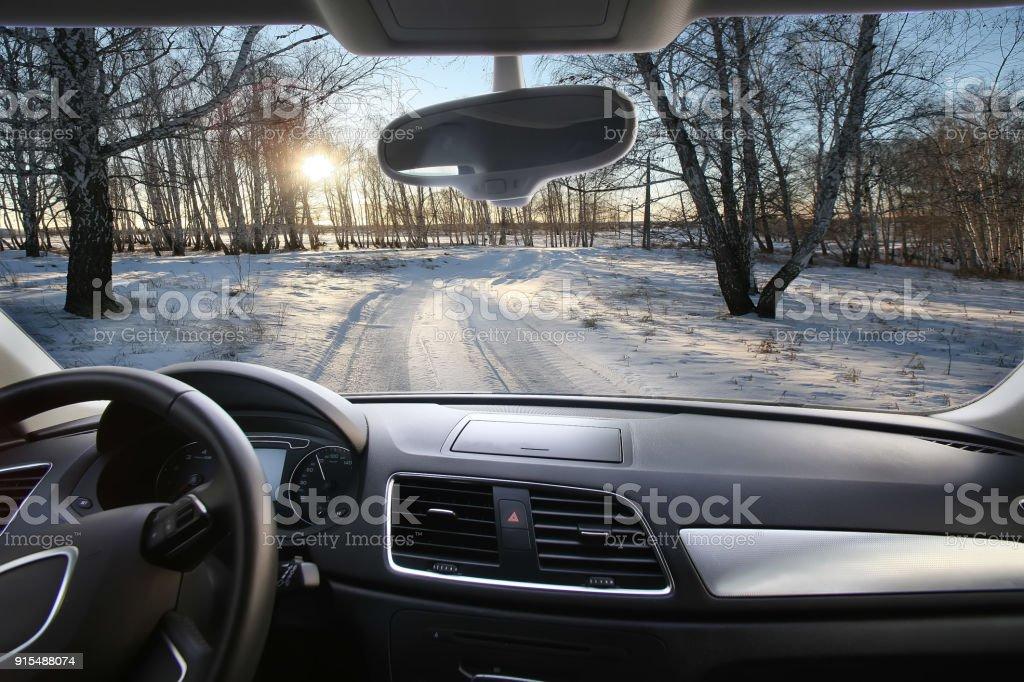 Winterlandschaft des inneren Autos – Foto